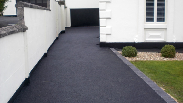 professionally surfaced tarmac driveway